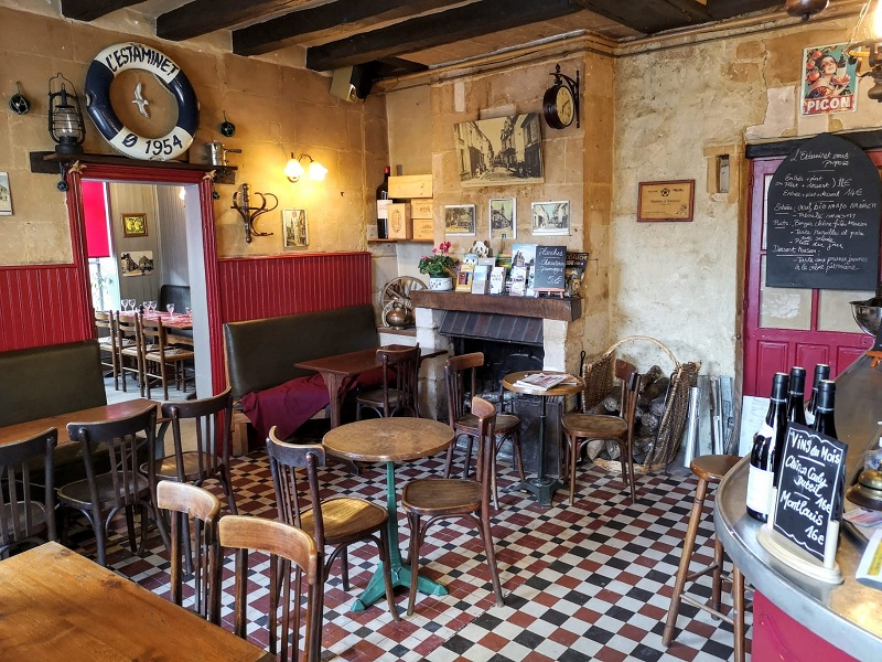 Restaurant-estaminet-interieur-loches-valdeloire