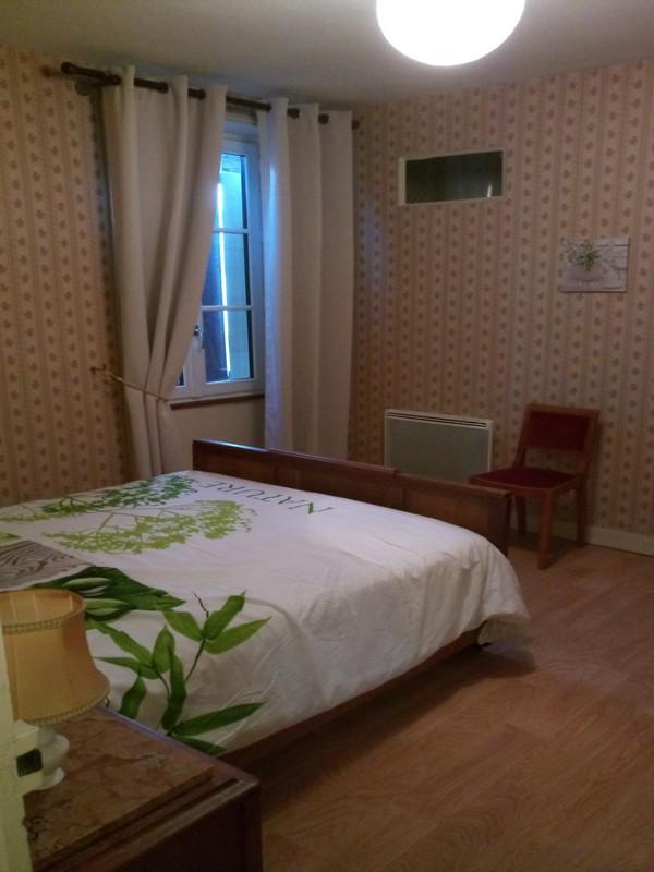 chambre2-50ruedescartes-descartes-valdeloire