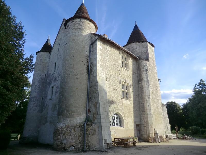 chateau-de-rouvray1-chambon-valdeloire